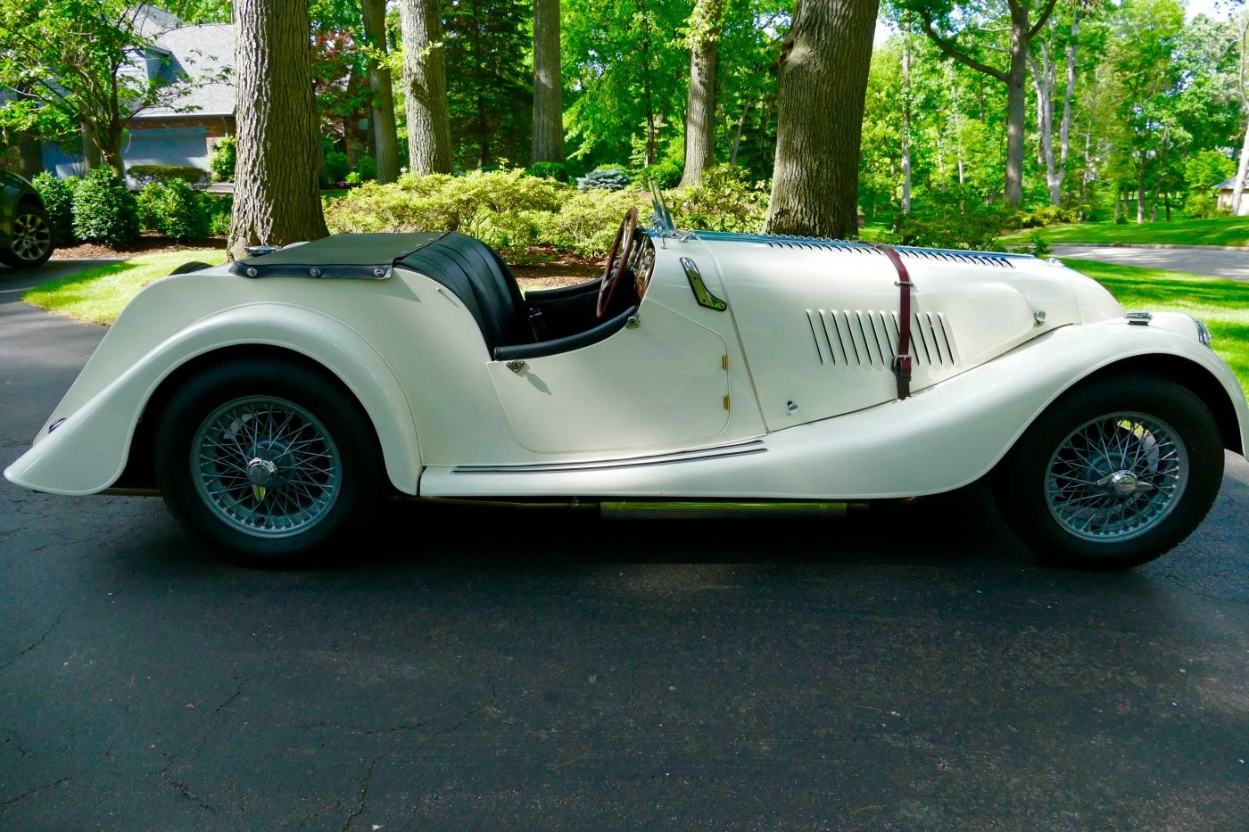 Pre-war and vintage car rental for weddings - BookAclassic